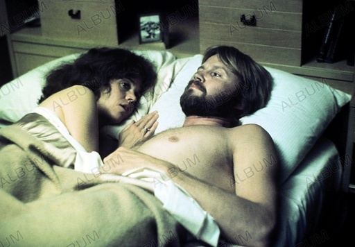 COMING HOME (1978), directed by HAL ASHBY. JANE FONDA; JON VOIGHT.