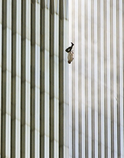 CRIME TERRORISM WTC WORLD TRADE CENTER BOMBING TWIN TOWERS TERRORIST ATTACK VICTIM JUMPING FROM BUILDING PEOPLE FALLING DOWN JUMPING OUT BODY