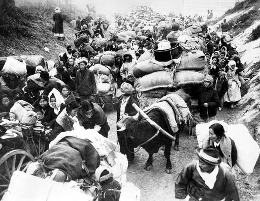 Korean refugees fleeing during the Korean War