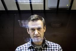 Den russiske opposisjonslederen og Putin-kritikeren Aleksej Navalnyj i retten i Moskva forrige lørdag. Foto: Aleksandr Zemljanitsjenko / AP / NTB