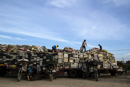 Wider Image: World's Largest Electronics Waste Dump