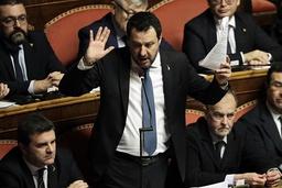 Daværende opposisjonsleder Matteo Salvini fotografert i det italienske senatet i 2020. Foto: Andrew Medichini / AP / NTB