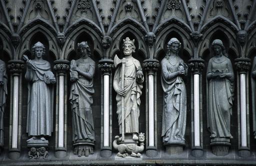 - Trondheim, Figures Nidaros Cathedral -
