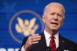 USAs påtroppende president Joe Biden tar til orde for en samlet nasjonal innsats mot pandemien. Foto: Matt Slocum / AP / NTB