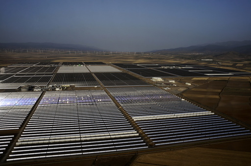 Wider Image: Andasol Solar Power Station