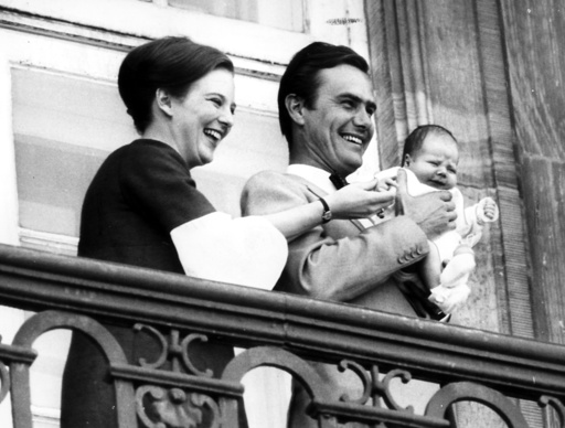 Heir to the throne Margrethe, Prince Henrik, Crown Prince Frederik, balcony, birthday