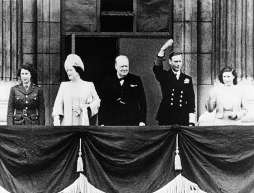 Churchill u.Königl.Familie Mai 1945 - Churchill and Royal family May 1945 - Churchill et la famille royale en mai 1945