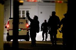 Politiet i Kongsberg sentrum onsdag kveld der fem personer ble drept og tre skadd. Foto: Håkon Mosvold Larsen / NTB