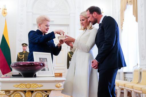 Kronprins Haakon og kronprinsesse Mette-Marit besøker Litauen.
