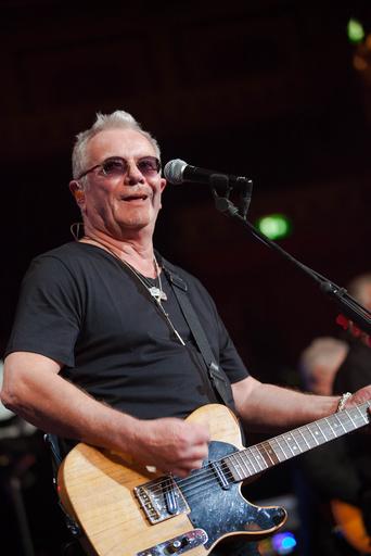 Åge Aleksandersen på scenen under fredagens konsert i Royal Albert Hall.
