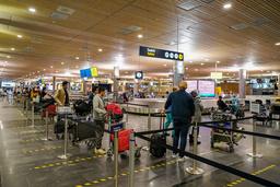 Regjeringen kommer nok en gang med lettelser i innreisereglene. Illustrasjonsfoto: Heiko Junge / NTB