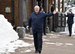EU forlenger sanksjonene mot Hviterusslands president Aleksandr Lukasjenko (bildet) og en rekke andre hviterussiske statsborgere og bedrifter. Foto: AP / NTB