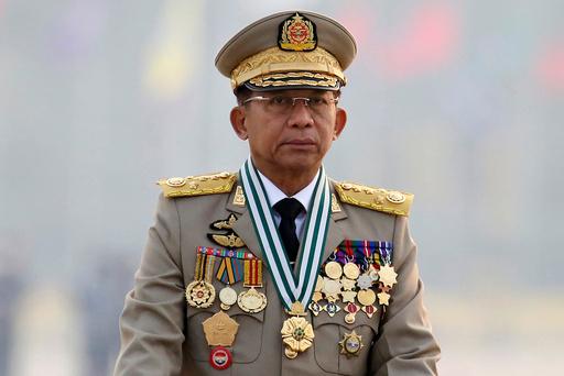 Juntaleder Min Aung Hlaing har sendt soldater til regioner nord i landet, noe som bekymrer FN. Foto: AP / NTB