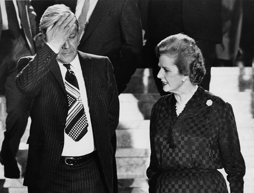 File Photo shows former West German Chancellor Schmidt with former British Prime Minister Thatcher in Luxembourg