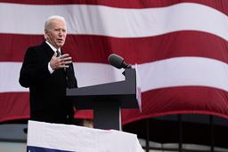 USAs nye president Joe Biden lover klimapolitisk helomvending. Bildet ble tatt under en tale Biden holdt i Delaware tirsdag. Foto: Evan Vucci / AP / NTB