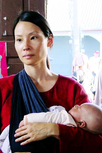 3 NEEDLES, Lucy Liu, 2005. ©Covington USA/courtesy Everett Collection