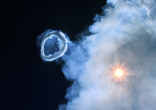 Volcanic steam ring