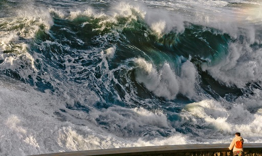 Big waves in San Sebastian