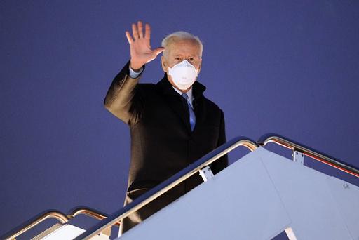 President Joe Biden ser ut til å måtte kjempe mot Donald Trump om offentlighetens oppmerksomhet en stund til. Foto: Evan Vucci / AP / NTB