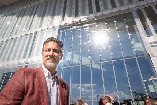 Kulturminister Abid Raja (V) gjør to endringer i regjeringens kompensasjonsordning til redaktørstyrte medier. Foto: Terje Pedersen / NTB scanpix