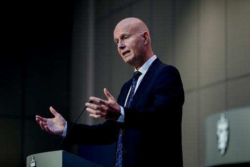 Oslo 20200928.  Helsedirektør Bjørn Guldvog på regjeringens pressekonferanse om koronasituasjonen. Foto: Vidar Ruud / NTB