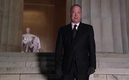 Tom Hanks var vertskap for seremonien, kalt «Celebrating America». Foto: Bidens innsettelseskomité via AP)