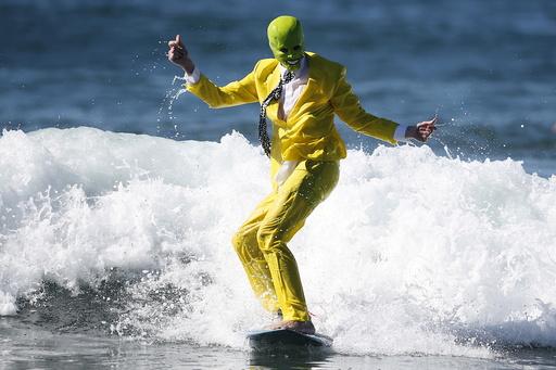 Nicholson surfs as