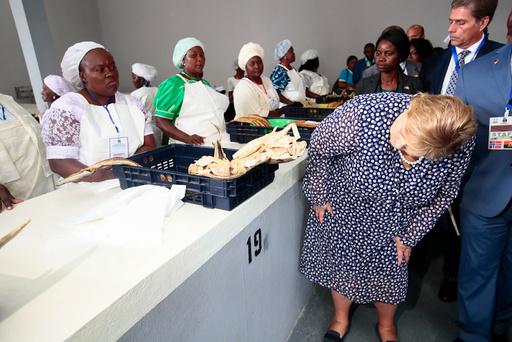 Erna Solberg besøker Angola.