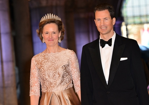 Royal Abdication and Investiture - Queen's Dinner