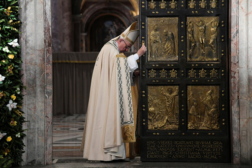 Pope Francis closes the Holy Door to mark the closing of the Catholic Jubilee year of mercy at the in Saint Peter's Basilica at the Vatican