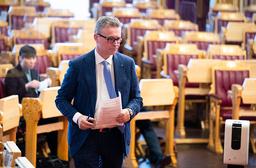 Fiskeri- og sjømatminister Odd Emil Ingebrigtsen (H) under muntlig spørretime i Stortinget onsdag. Foto: Berit Roald / NTB