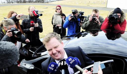 Iceland's Prime Minister Gunnlaugsson speaks to media outside Iceland president's residence in Reykjavik