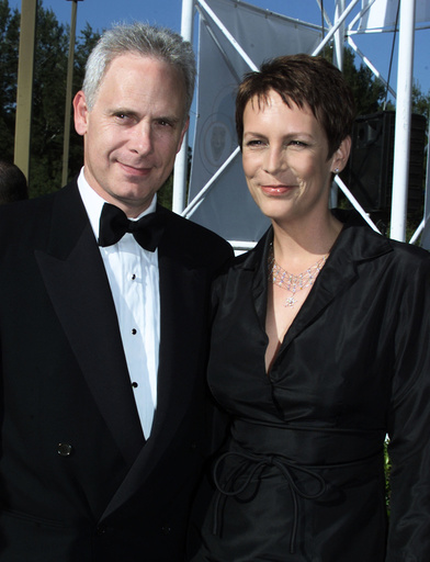 JAMIE LEE CURTIS AND HUSBAND ARRIVE AT AMERICAN COMEDY AWARDS AT AWARDS SHOW