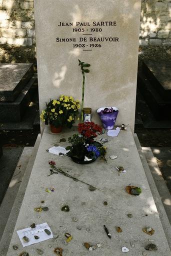 France. Paris (75). 14th arr. Gravestone of Jean-Paul Sartre and Simone De Beauvoir, Montparnasse cemetary