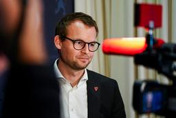 Kjell Ingolf Ropstad møtte lørdag pressen i Regjeringskvartalet i Oslo der han opplyste om at han fratrer både som statsråd og som leder av KrF. Foto: Ali Zare / NTB