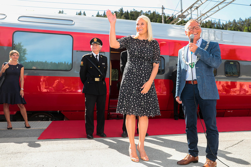 Kronprinsesse Mette-Marit starter Litteraturtoget 2018, Kristiansand til Stavanger.