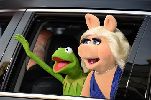Love no longer blossoms for Miss Piggy and Kermit