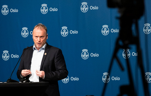Byrådsleder Raymond Johansen (Ap) orienterer onsdag om koronasituasjonen og hvilke tiltak som skal gjelde fremover i Oslo. Foto: Berit Roald / NTB