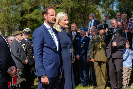 Kronprinsparet deltar når Konvoibyen i Risør markerer sitt 50-årsjubileum