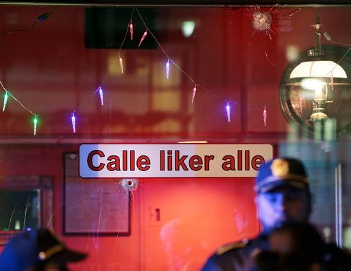 Flere skudd er avfyrt mot Calles mat og vinhus i Hausmanns gate i Oslo fredag kveld.