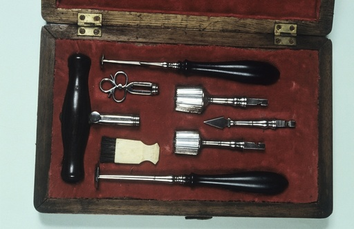 Surgical instruments, 18th century