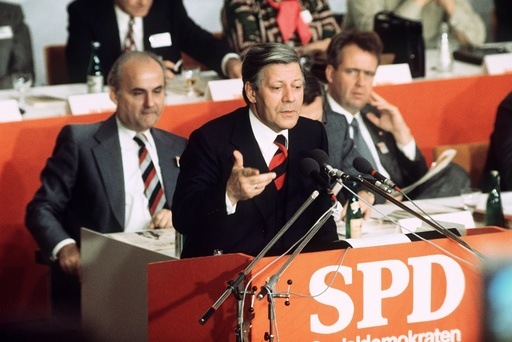 Helmut Schmidt - SPD party conference 1975