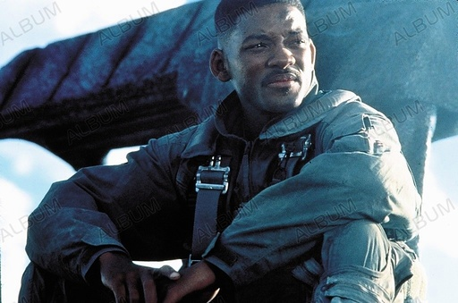 INDEPENDENCE DAY (1996), directed by ROLAND EMMERICH. WILL SMITH.