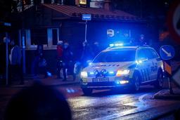 Politiet over hele landet har natt til søndag måttet gripe inn og stoppe fester med for mange festdeltakere. Illustrasjonsfoto: Heiko Junge / NTB