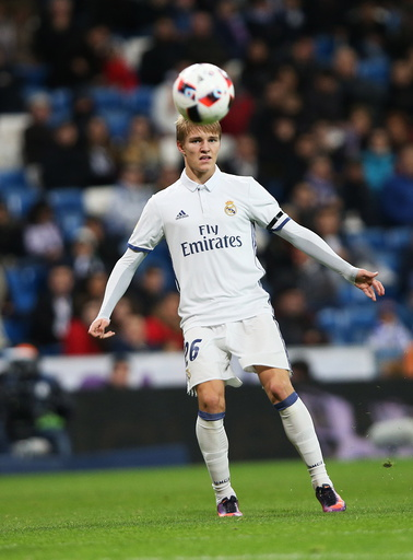 Martin Ødegaard aksjon for Real Madrid mot Cultural y Deportiva Leonesa i den spanske cupen i fotball i Madrid onsdag.