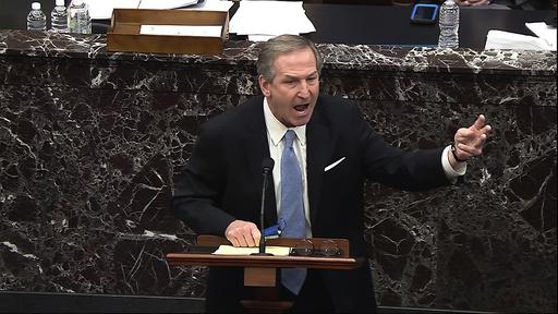 Donald Trumps forsvarer Michael van der Veen er ikke fornøyd med Senatets vedtak om å høre vitner i riksrettssaken mot den tidligere presidenten. Foto: Senate Television via AP / NTB