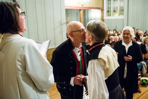Første homfile bryllup i en norsk kirke