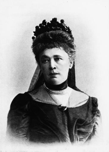 Bertha v. Suttner/Portraitfoto - Bertha von Suttner / Portrait photo, 1909 - Bertha v. Suttner/ Portrait photo