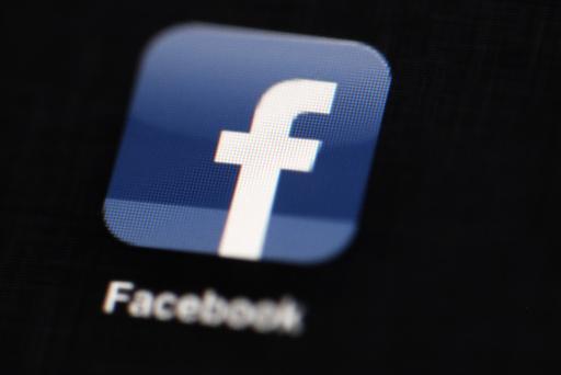 Facebook opphever forbudet mot politiske annonser som ble innført etter det amerikanske valget i 2020. Foto: Matt Rourke / AP / NTB