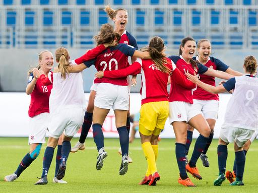 Fotball VM-kvalifiseringskamp kvinner: Norge - Nederland.
